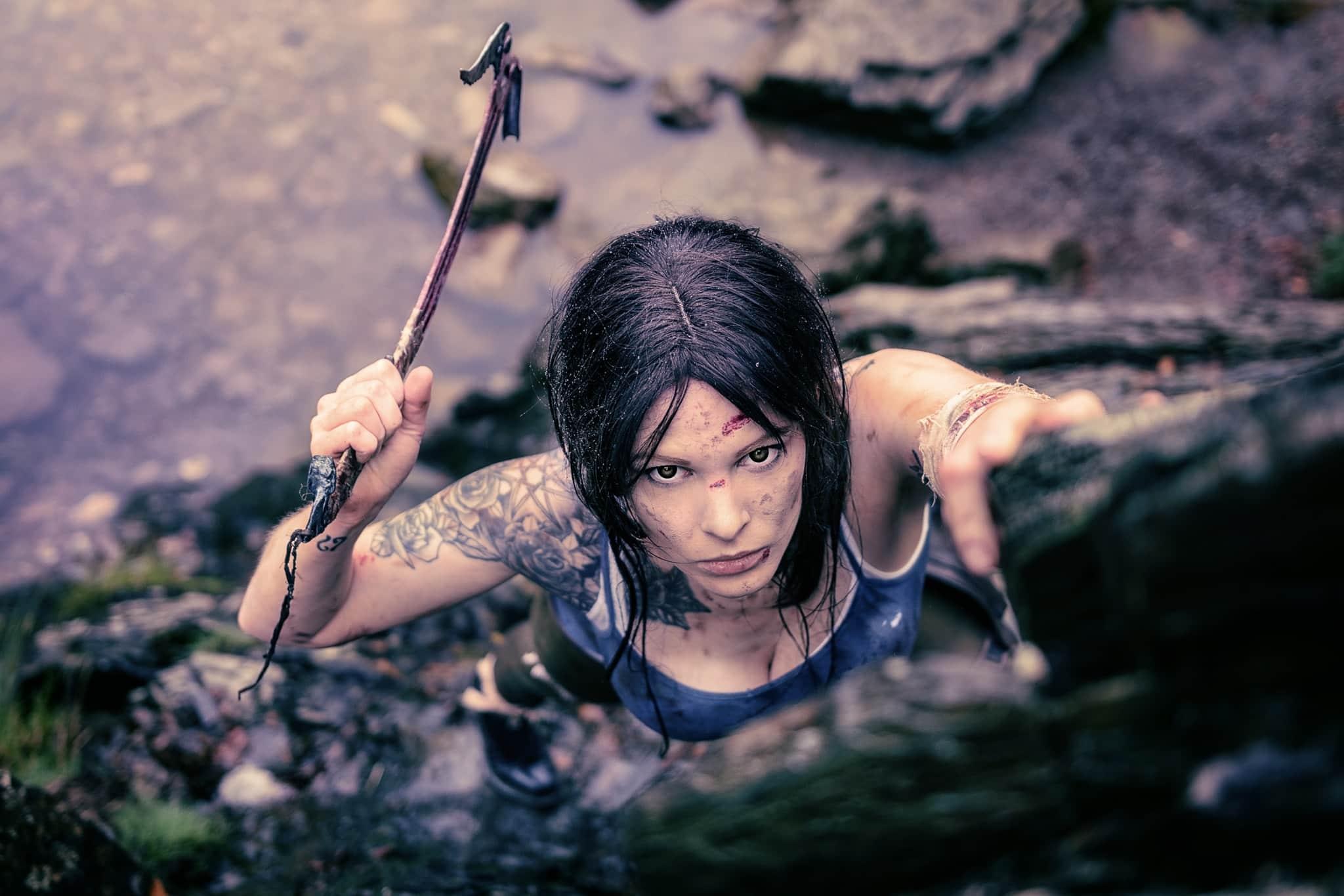 Lara Croft - Monono Cosplay - Tomb Raider 2013